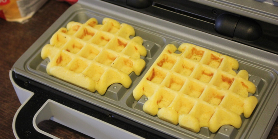 Gofre Belgiene la Waffle Makerul DuraCeramic by Lauras Sweets